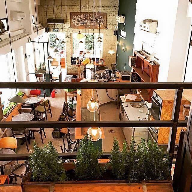 Bucke cafe